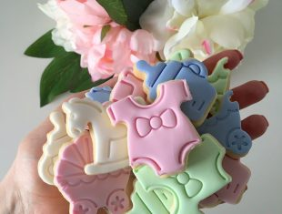 Custom baby Shower Cookies shipped Australia Wide!