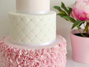 Pink-Ruffle-Wedding-Cake