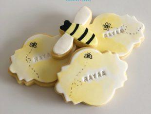 Custom-Personalised-Cookies-First-Birthday-Bee-Cookies